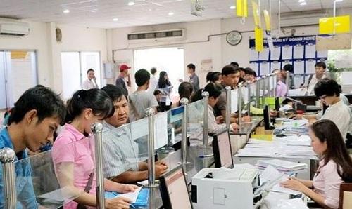 """<span><b><span>(</span></b><span>BKTO) -<b> </b><i>Tại Hội thảo """"Môi trường kinh doanh Việt Nam: Nhìn lại 5 năm thực hiện Nghị quyết 19"""" vừa diễn ra tại Hà Nội, nhiều đại biểu nhận định, khoảng cách về môi trường kinh doanh của Việt Nam so với các nước ASEAN-4 đã được thu hẹp nhưng vẫn chậm. Hiện chỉ có duy nhất Chỉ số tiếp cận tín dụng của Việt Nam cao hơn ASEAN-4, còn các chỉ số khác đều thấp hơn.</i></span></span>  <br><span><br>Tác giả:<b> QUỲNH ANH</b></span>"""