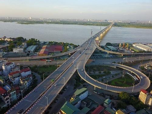 <span><span>(BKTO) - Cũng như các nước trong khu vực, Việt Nam đang có những hạn chế nhất định trong phát triển hệ thống phát triển cơ sở hạ tầng (CSHT), nhất là vấn đề chất lượng, hiệu quả đầu tư công chưa cao, sai phạm trong quản lý, huy động vốn còn nhiều, chưa khuyến khích sự tham gia của khu vực kinh tế tư nhân… Bởi vậy, việc tìm ra những giải pháp toàn diện về cơ chế chính sách để quản trị và huy động nguồn vốn đầu tư CSHT là vấn đề cấp thiết đối với Việt Nam trong thời gian tới.</span></span>    <br><span><br>Tác giả: <b>THÙY LÊ </b><b></b></span>