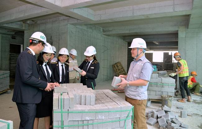 (BKTO) - Chi đầu tư xây dựng cơ bản (XDCB) thường chiếm tỷ trọng đáng kể trong tổng chi NSNN. Tại 5 tỉnh, thành phố: Hà Nội, Hà Nam, Bắc Ninh, Vĩnh Phúc và Hòa Bình, chi đầu tư xây dựng cơ bản (XDCB) chiếm khoảng 9,6 - 36% tổng chi. Qua kiểm toán ngân sách và một số dự án đầu tư tại 5 địa phương trên, KTNN khu vực I đã phát hiện không ít hạn chế trong lĩnh vực này.<br><br><b>NGUYỄN TRỌNG LỢI </b>- KTNN khu vực I