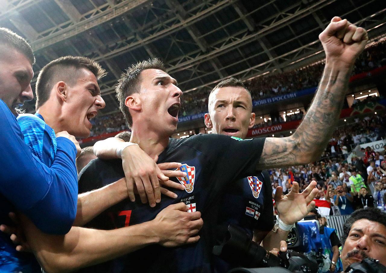 Lội ngược dòng thành công, Croatia gặp Pháp trong trận chung kết lịch sử