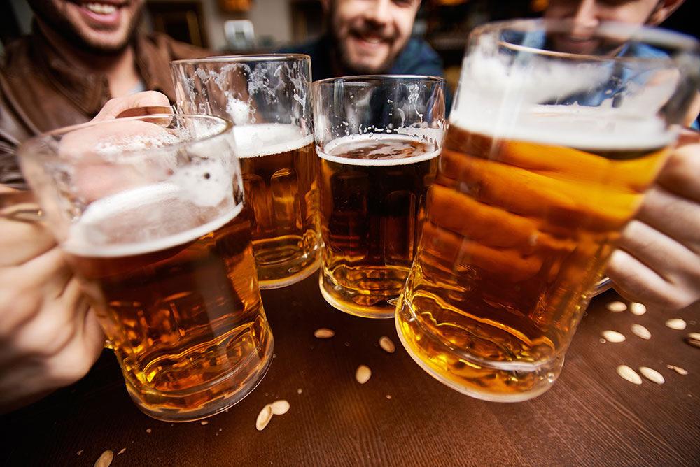 Gánh nặng kinh tế và sức khỏe từ sử dụng rượu, bia