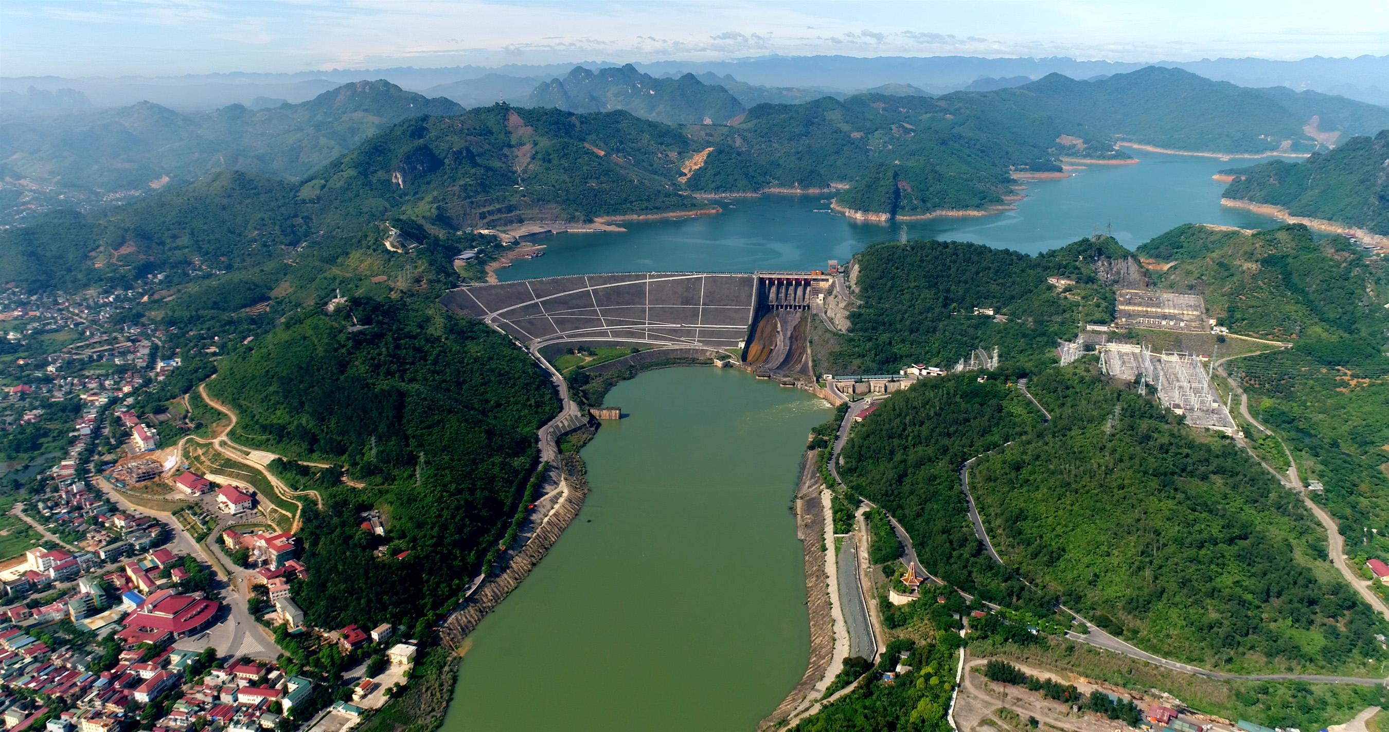 30 năm vận hành công trình thế kỷ Thủy điện Hòa Bình