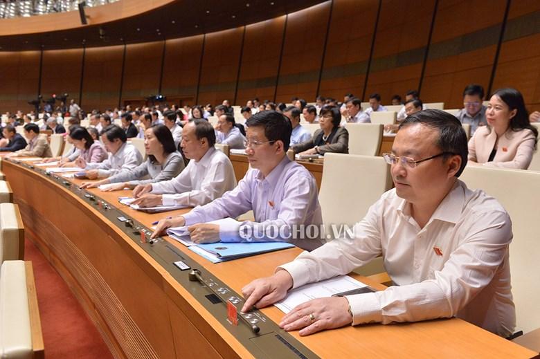 Quốc hội biểu quyết thông qua 5 dự án luật