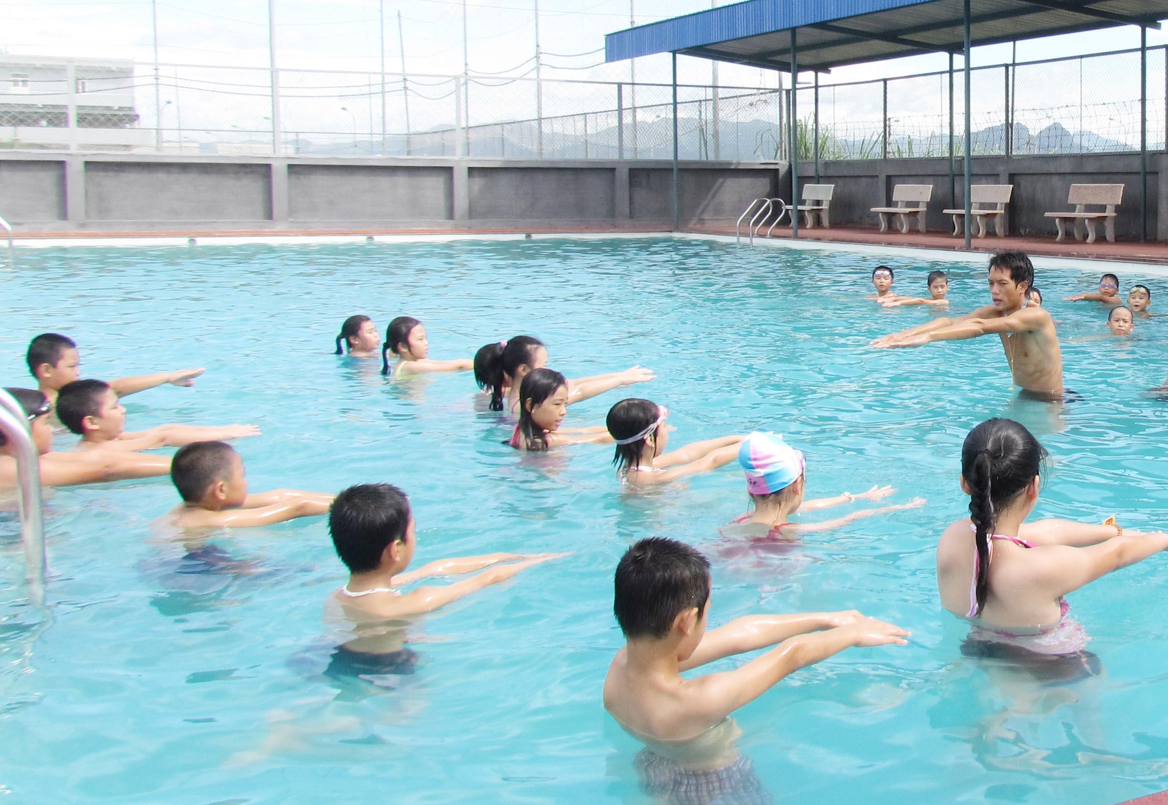 Huy động các nguồn lực dạy bơi, giúp giảm nguy cơ đuối nước cho trẻ