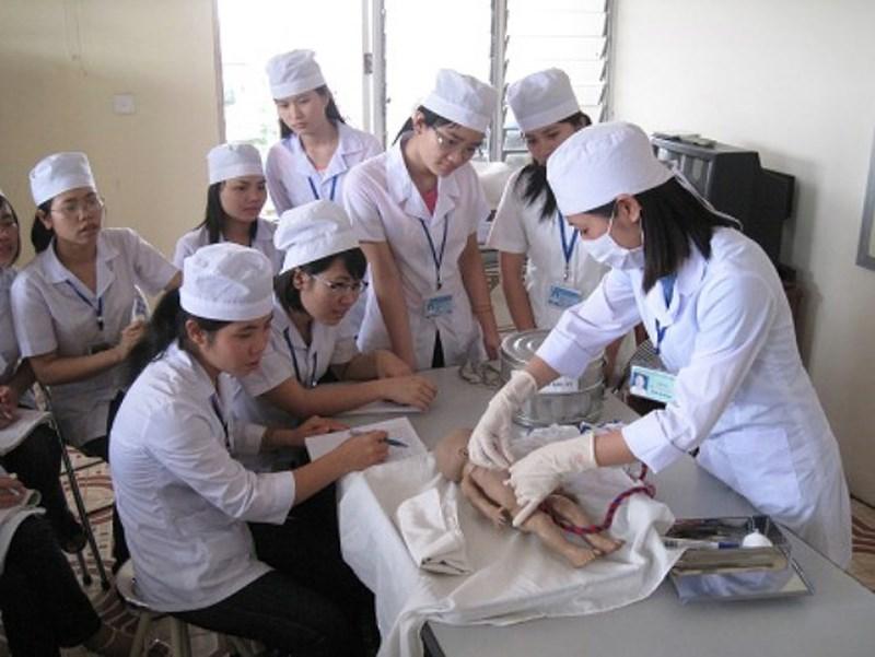 ADB giúp Việt Nam tăng cường nhân lực y tế