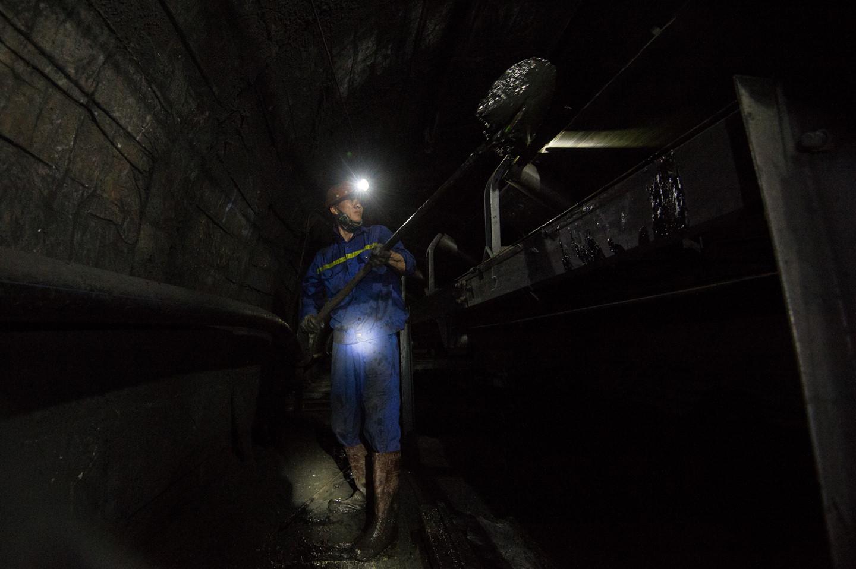 Cấm đưa lao động Việt Nam sang nước ngoài làm công việc độc hại, nguy hiểm