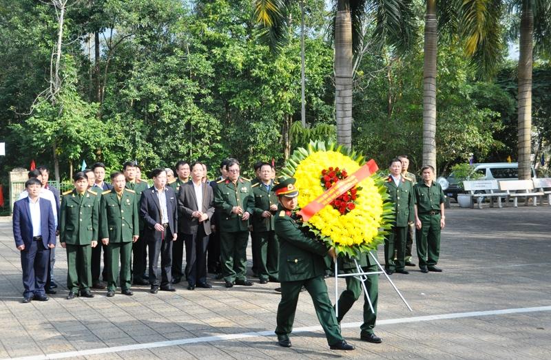 Hội Cựu chiến binh Kiểm toán Nhà nước dâng hương tưởng niệm các anh hùng liệt sĩ tại Vị Xuyên