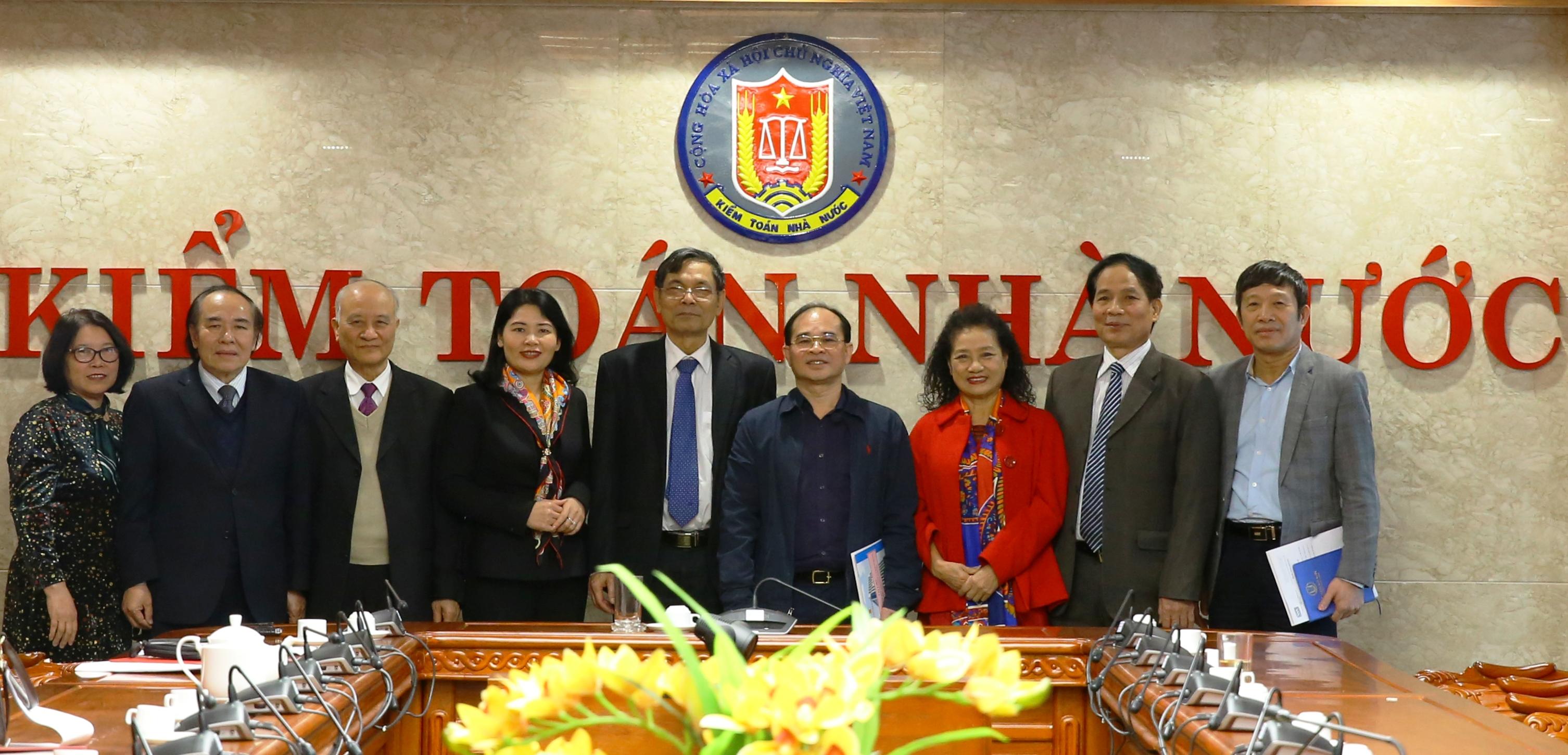Phó Tổng Kiểm toán Nhà nước Nguyễn Quang Thành làm việc với Hội Kế toán và Kiểm toán Việt Nam