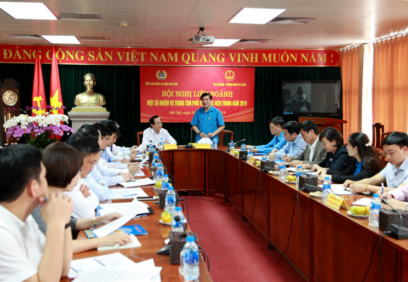 Đề nghị tăng cường kiểm tra, giám sát việc tuân thủ các quy định của pháp luật về công đoàn trong DN
