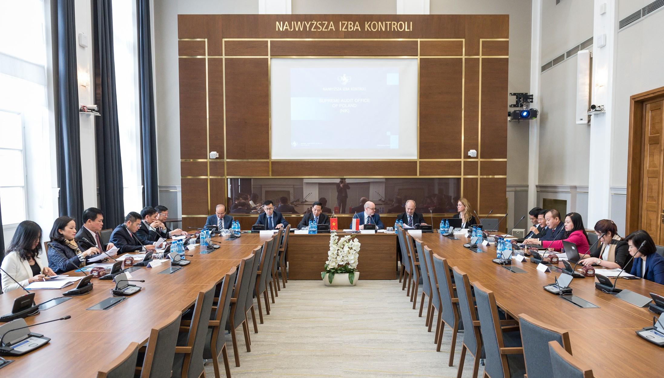 Phó Tổng Kiểm toán Nhà nước Đặng Thế Vinh thăm và làm việc với Cơ quan Kiểm toán tối cao Ba Lan