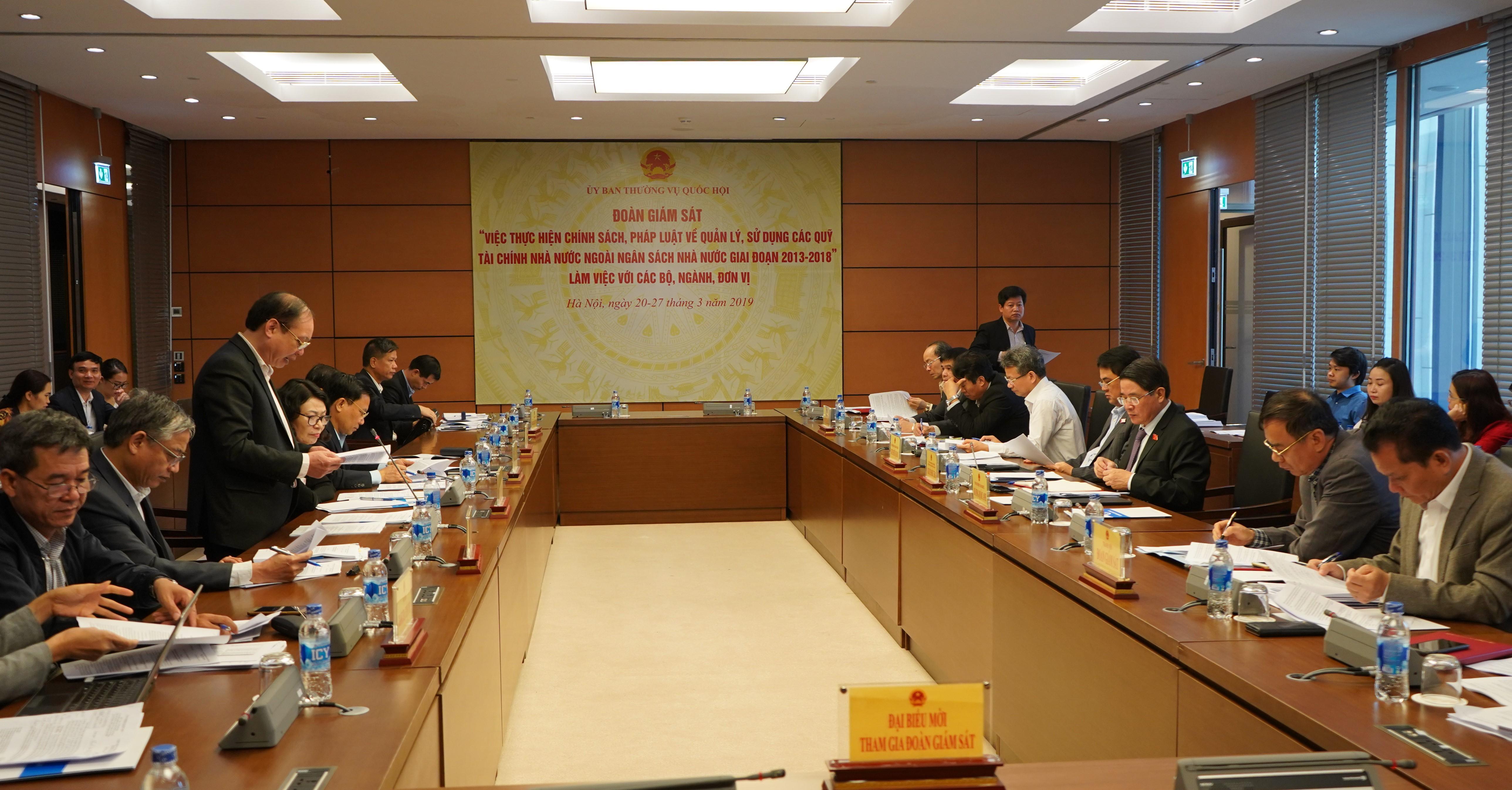 Đoàn giám sát của Ủy ban Thường vụ Quốc hội làm việc với Bảo hiểm xã hội Việt Nam
