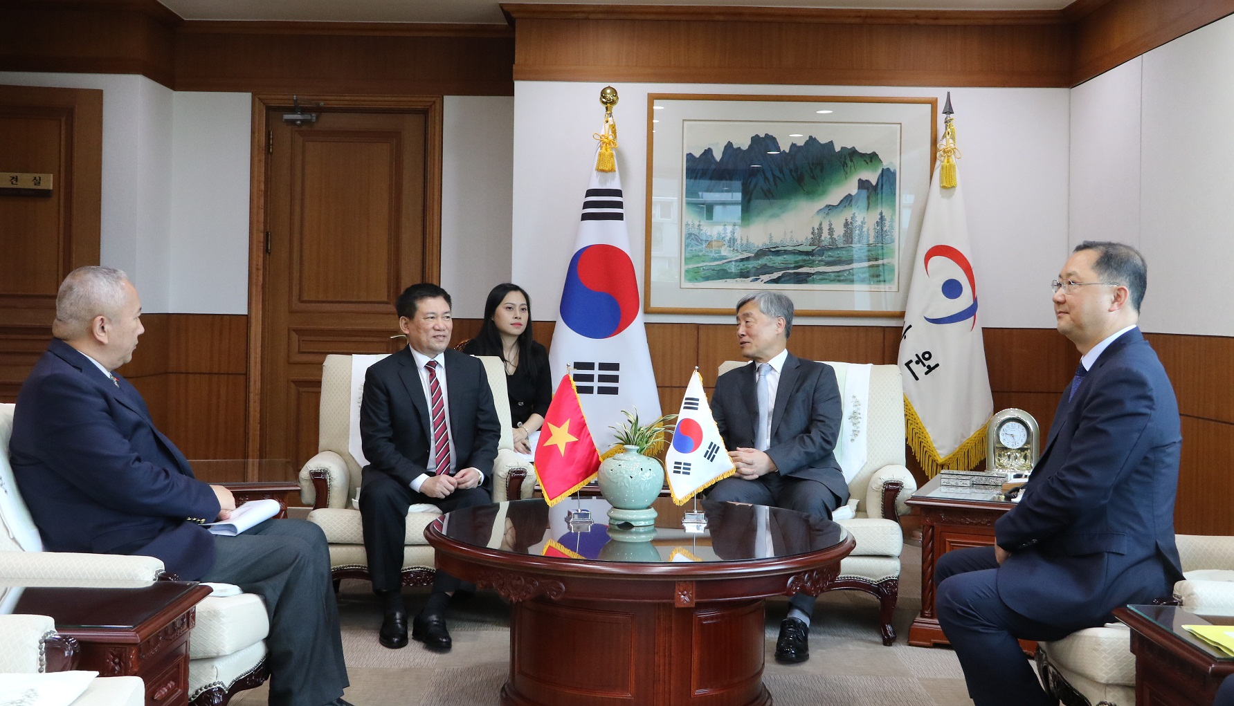 Hình ảnh Tổng Kiểm toán Nhà nước Hồ Đức Phớc thăm và làm việc tại Hàn Quốc