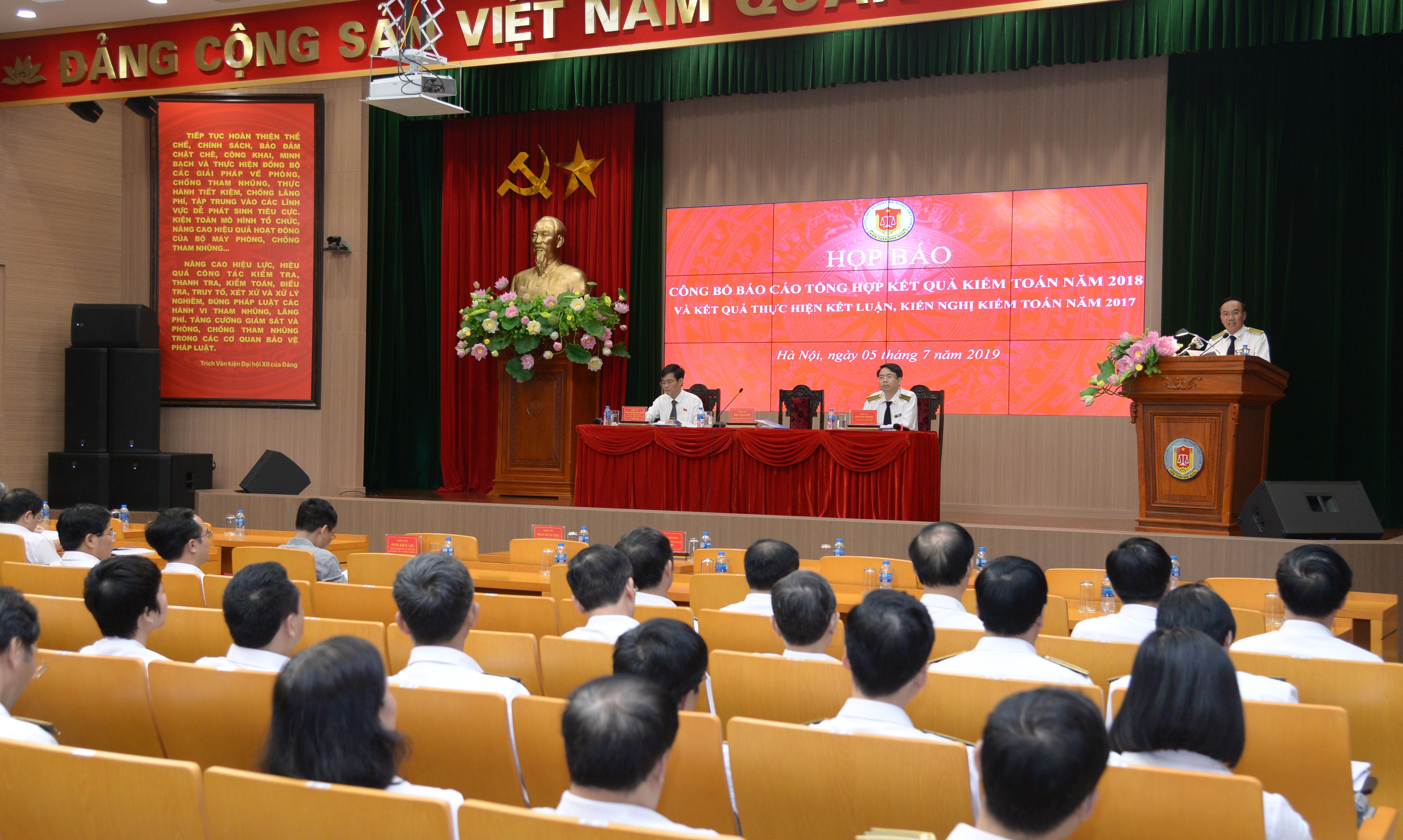 Một số hình ảnh buổi họp báo công bố kết quả kiểm toán năm 2018