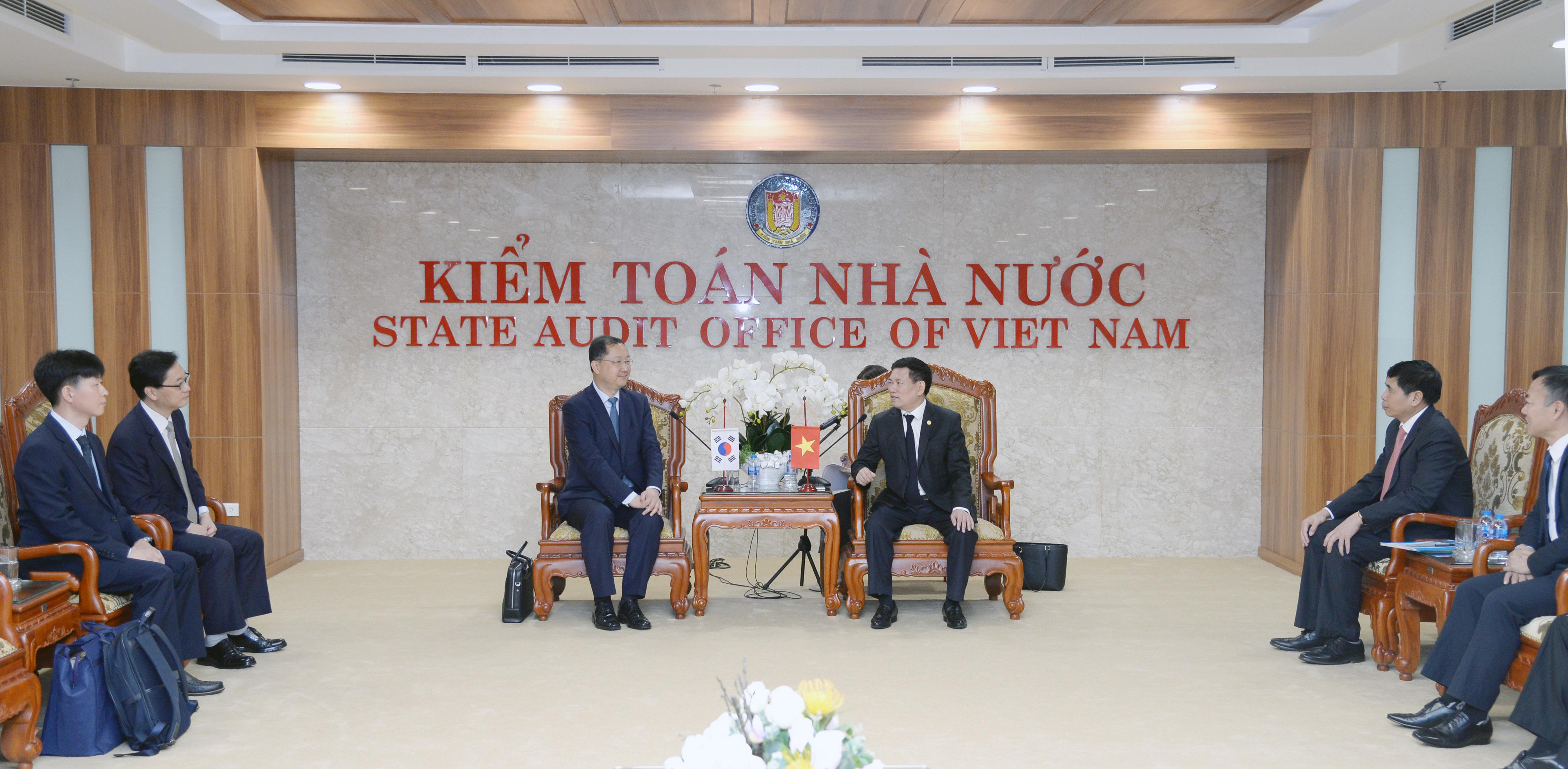 Tổng Kiểm toán Nhà nước tiếp Ủy viên Ủy ban Kiểm toán và Thanh tra Hàn Quốc