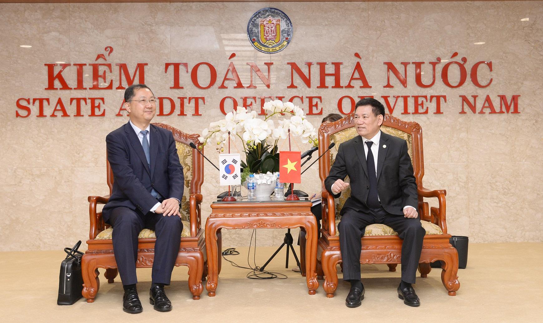Hình ảnh chuyến thăm và làm việc của Đoàn công tác Ủy ban Kiểm toán và Thanh tra Hàn Quốc tại KTNN Việt Nam