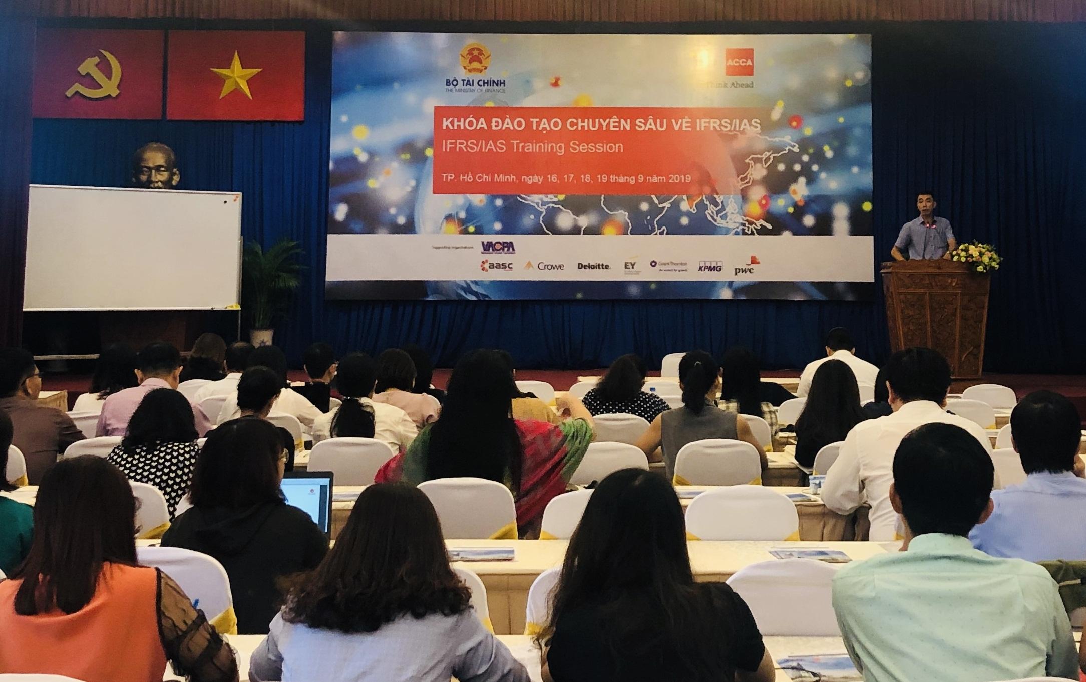 ACCA hỗ trợ Việt Nam trong việc áp dụng chuẩn mực kế toán quốc tế