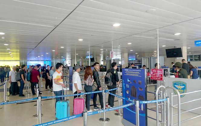 Từ 1/10, sân bay Tân Sơn Nhất dừng phát thanh thông tin chuyến bay