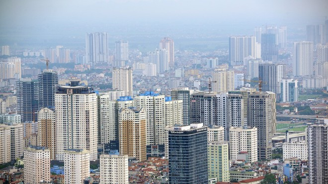 """Hà Nội """" ngộp thở"""" bởi chung cư, cao ốc."""