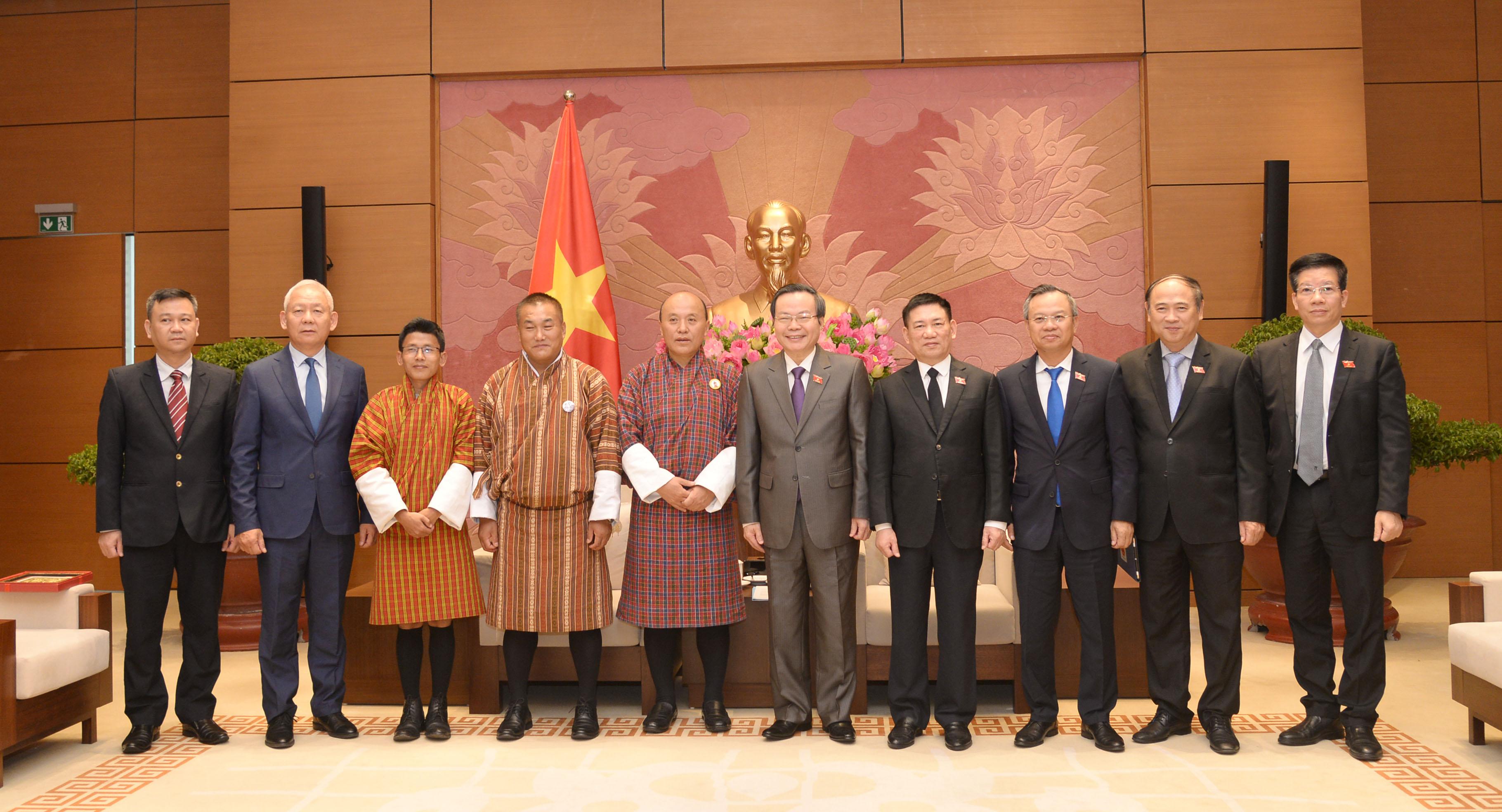 Phó Chủ tịch Quốc hội Phùng Quốc Hiển tiếp Tổng Kiểm toán Nhà nước Bu-tan
