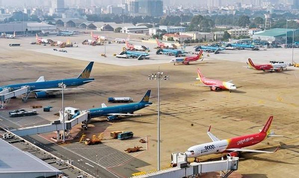 Thủ tướng yêu cầu bảo đảm tuyệt đối an toàn hàng không