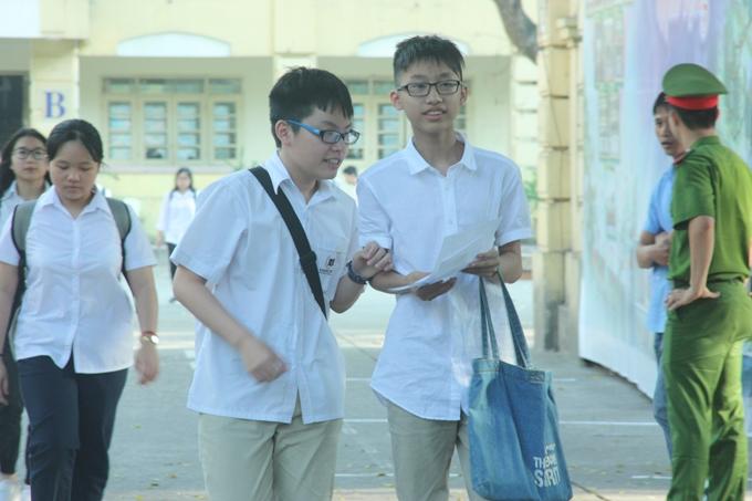 Tuyển sinh lớp 10 tại Hà Nội: chỉ 62% học sinh có cơ hội vào trường công lập