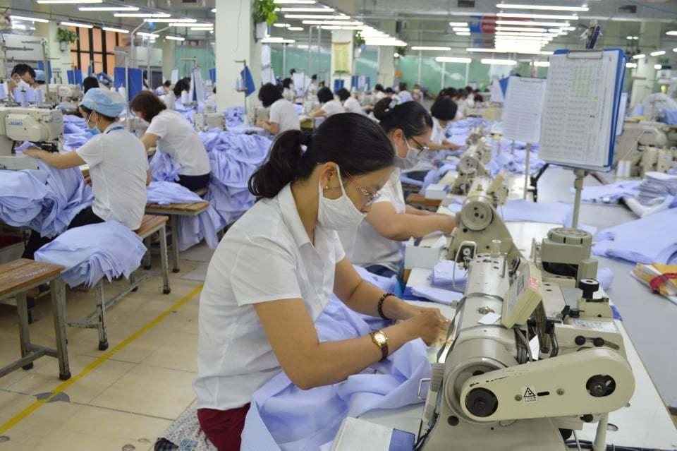 Gần 70.000 công nhân lao động Hà Nội mất việc, thiếu việc vì đại dịch
