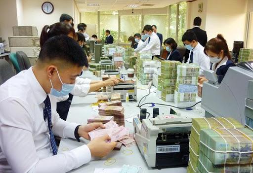 Ngân hàng đồng loạt giảm lãi suất cho vay, hỗ trợ chống dịch Covid-19