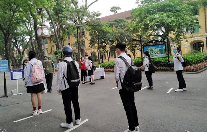 Học sinh gần 900 trường trên địa bàn Hà Nội đi học trở lại