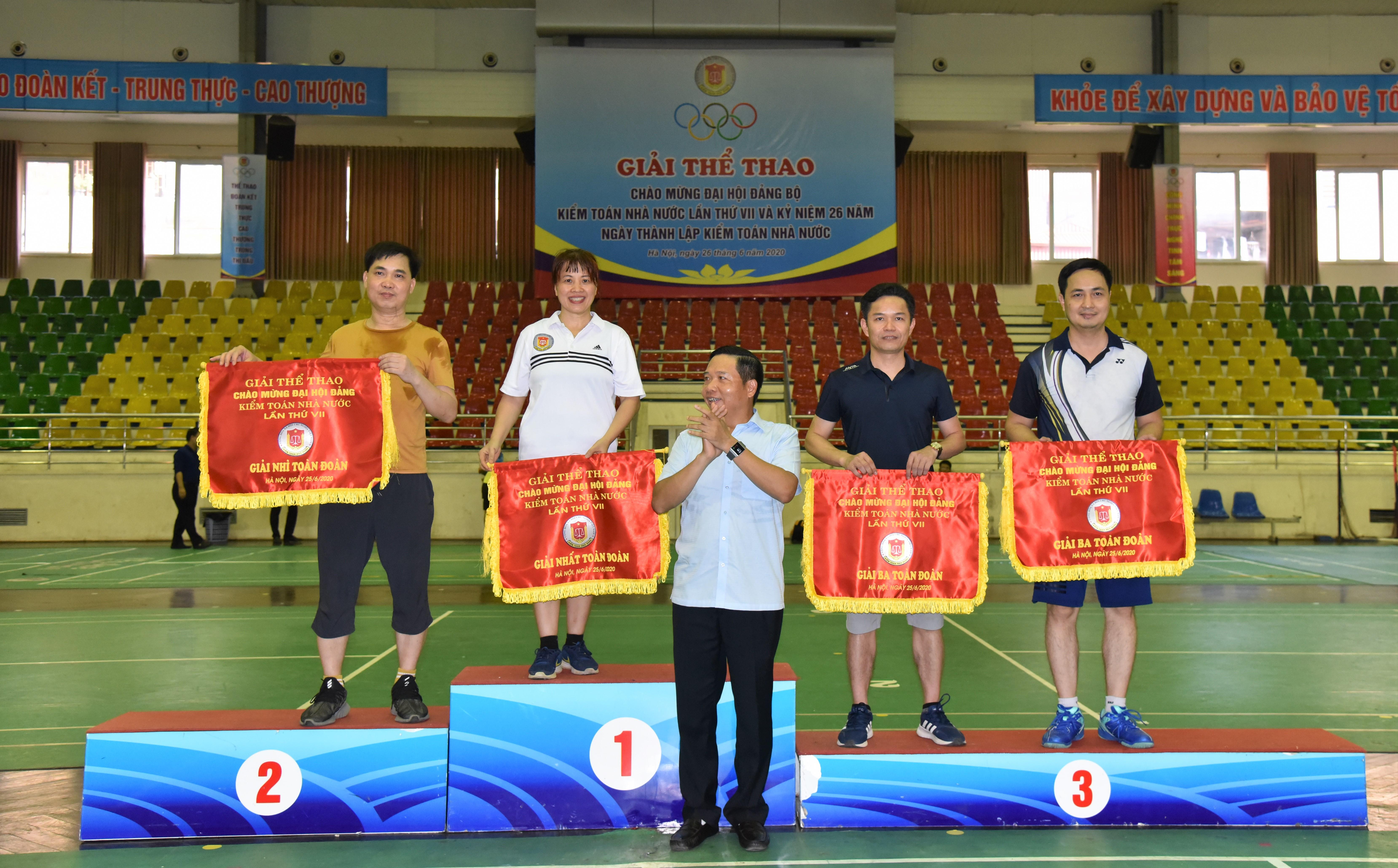 Giải thể thao chào mừng kỷ niệm 26 năm Ngày thành lập KTNN và Đại hội Đảng bộ KTNN lần thứ VII thành công tốt đẹp