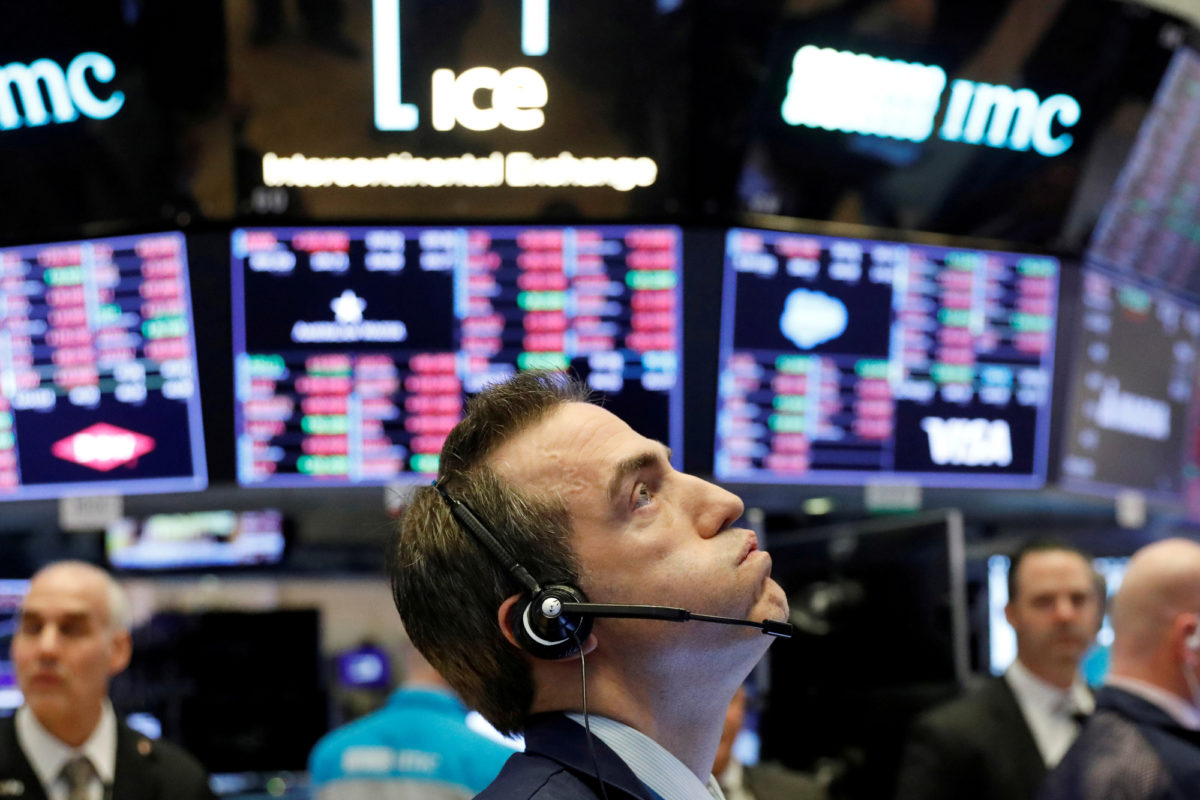 Giới đầu tư chứng khoán đứng trước nhiều nỗi lo