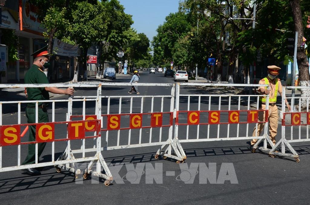 Dịch COVID-19: Quảng Nam thực hiện cách ly xã hội tại 5 huyện, thị xã