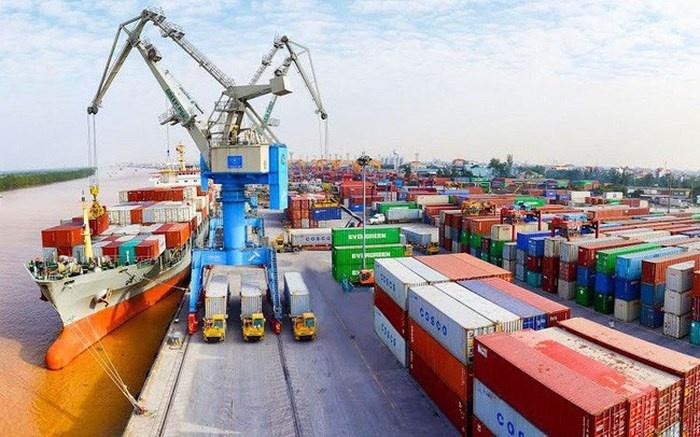 Xuất siêu cao và nhiều mặt hàng xuất khẩu lập kỷ lục mới