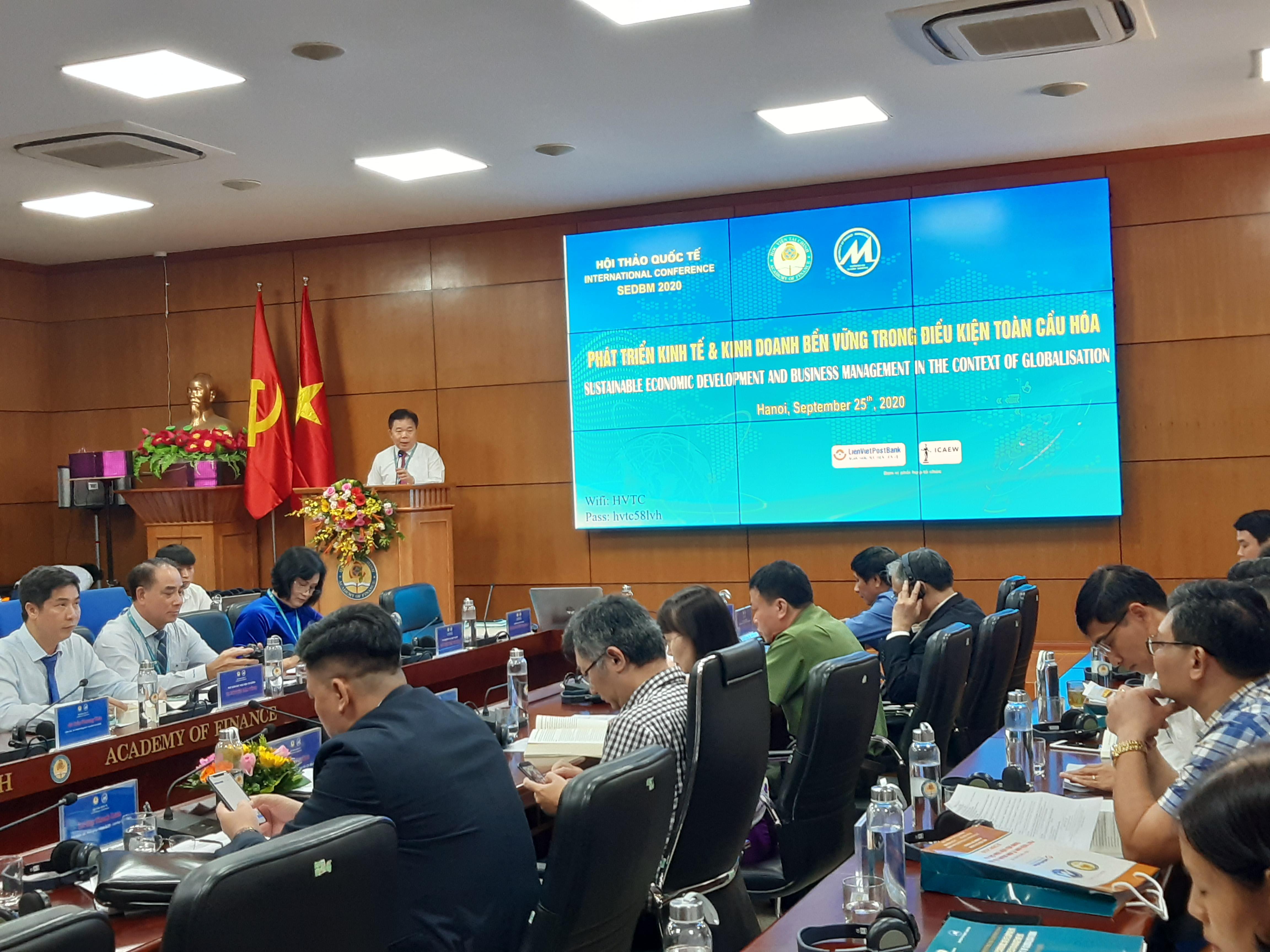 Kinh tế Việt Nam đang đứng trước các cơ hội và thách thức to lớn