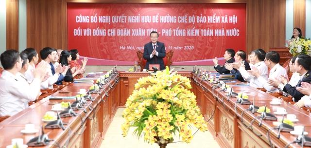 Công bố và trao Nghị quyết nghỉ hưu đối với Phó Tổng Kiểm toán Nhà nước Đoàn Xuân Tiên
