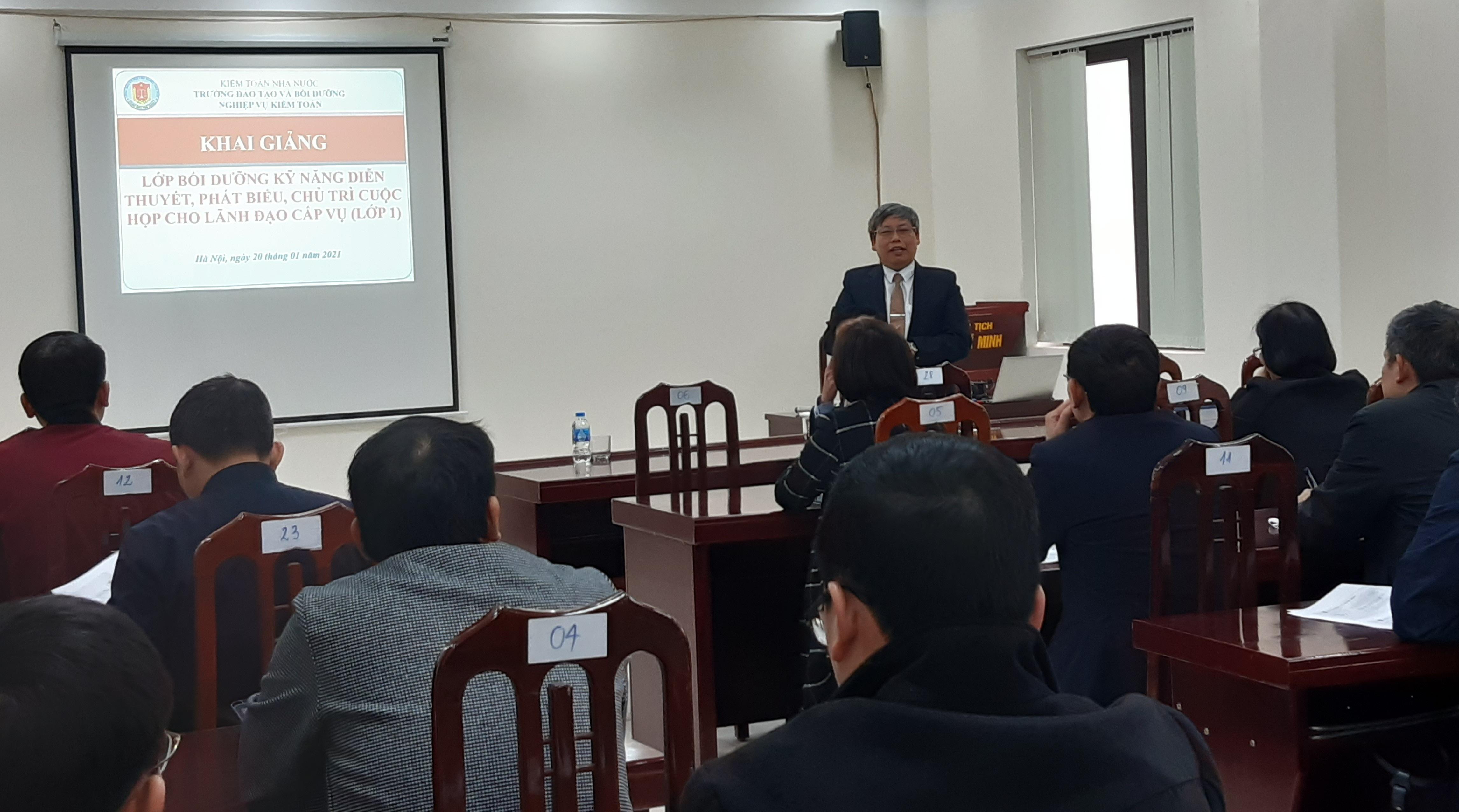 Tăng cường kỹ năng thuyết trình và chủ trì cuộc họp cho lãnh đạo cấp Vụ