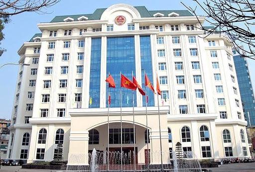 Cán bộ, công chức, người lao động của Tổng cục Thuế ở lại cơ quan trong ngày 24/5 để  phòng chống Covid-19