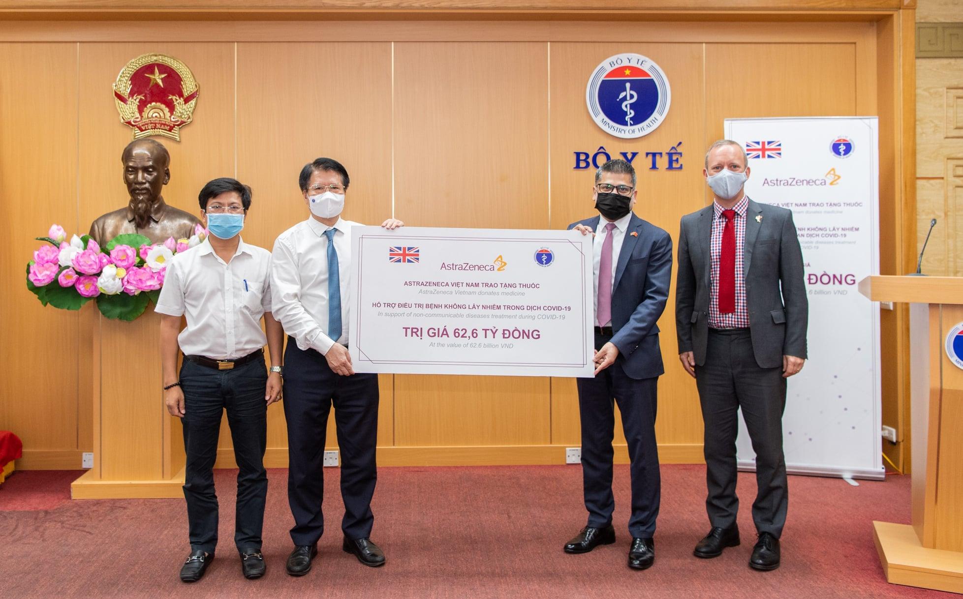 Bộ Y tế tiếp nhận 150.000 hộp thuốc hỗ trợ điều trị bệnh không lây nhiễm