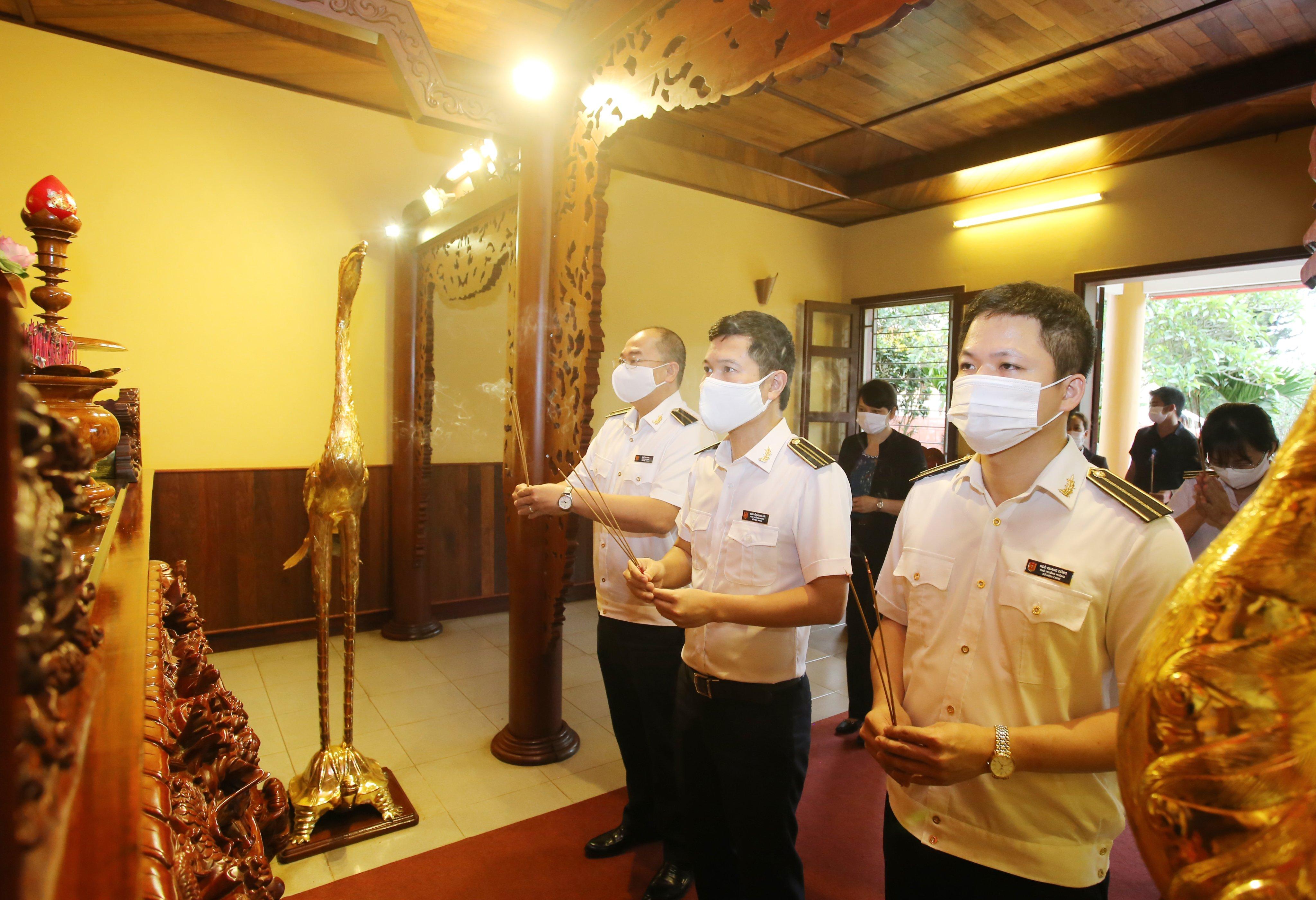 Hoạt động của Đoàn Thanh niên KTNN chuyên ngành Ib hướng đến kỷ niệm ngày Thương binh - Liệt sỹ