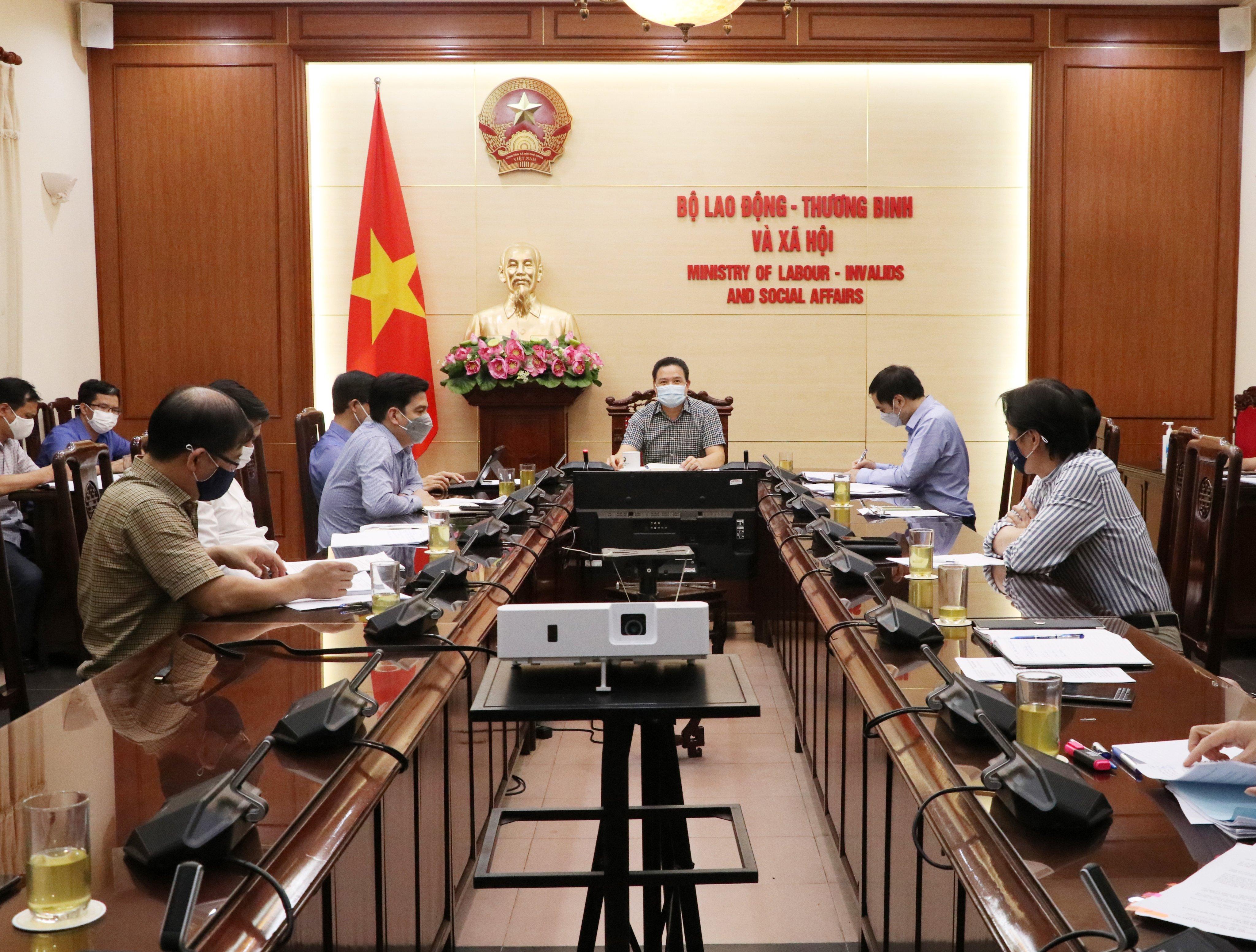 Xây dựng Bộ Hỏi - Đáp về chính sách hỗ theo Nghị quyết 68