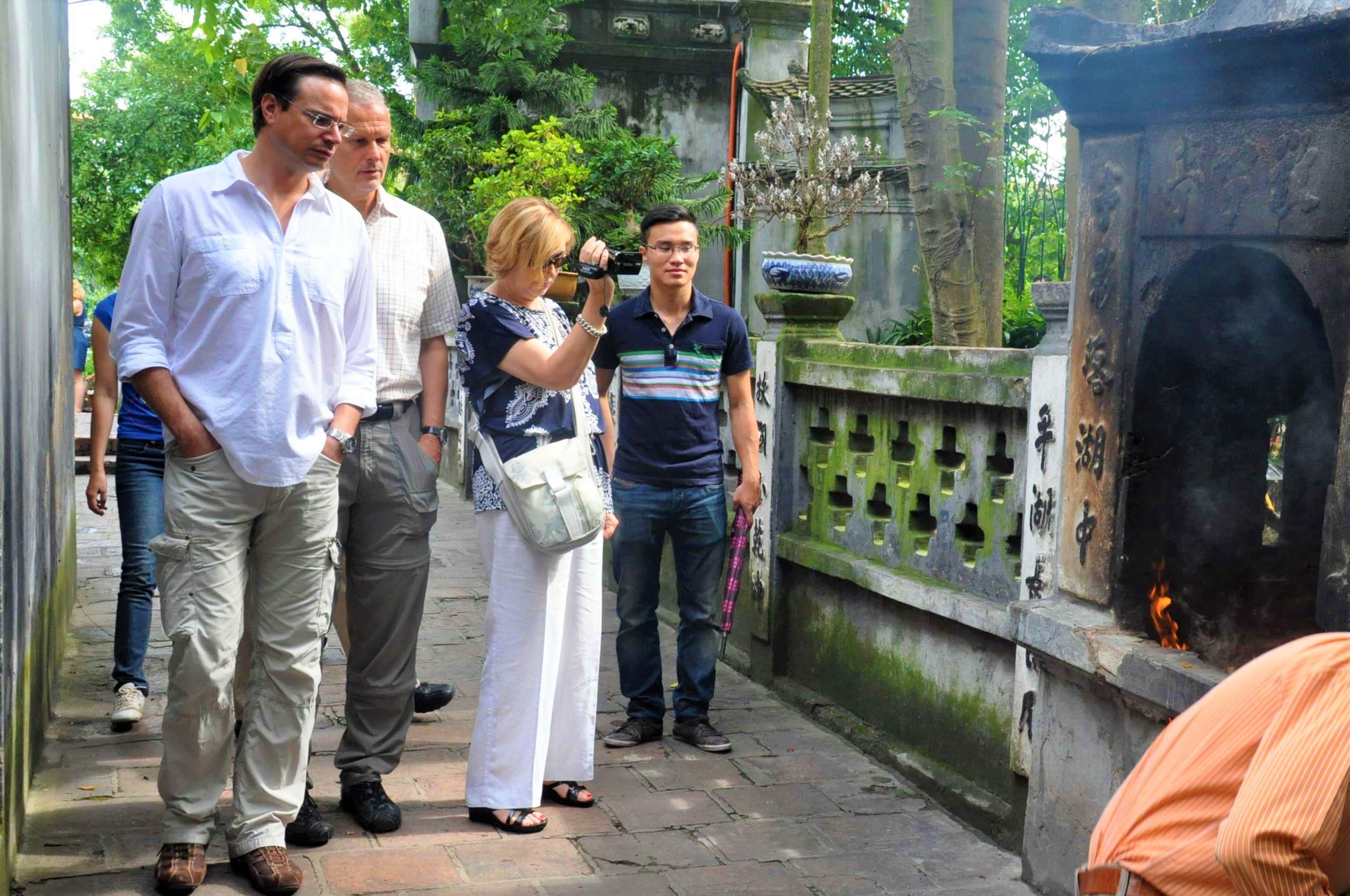 """Khánh Hòa đề xuất thí điểm đón khách quốc tế có """"hộ chiếu vắc xin"""""""
