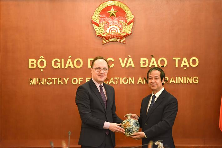 Trao đổi về hợp tác trong lĩnh vực giáo dục, đào tạo giữa Việt Nam - Liên bang Nga