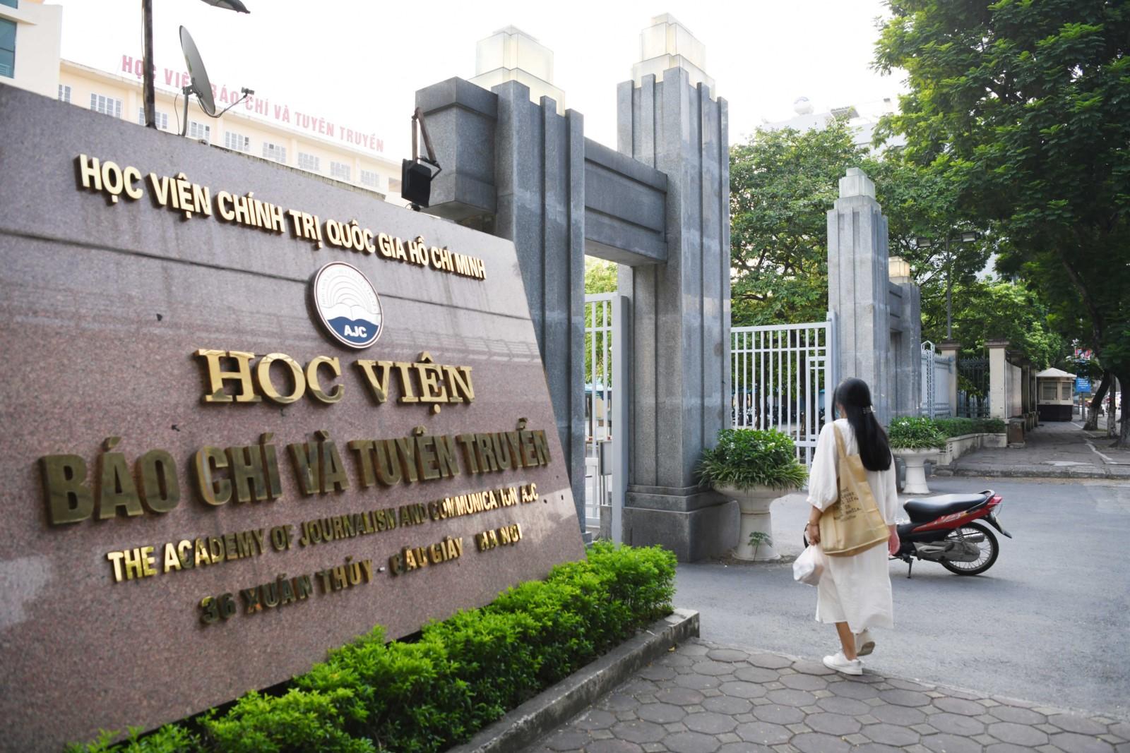 Học viện Báo chí và Tuyên truyền khai giảng năm học mới, đón 2,6 nghìn tân sinh viên