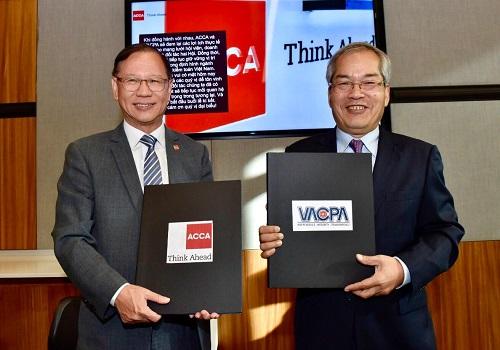 VACPA và ACCA ký Biên bản ghi nhớ về chứng chỉ phối hợp IFRS