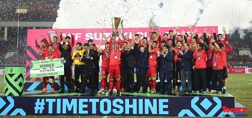 Một năm thăng hoa cùng bóng đá Việt Nam