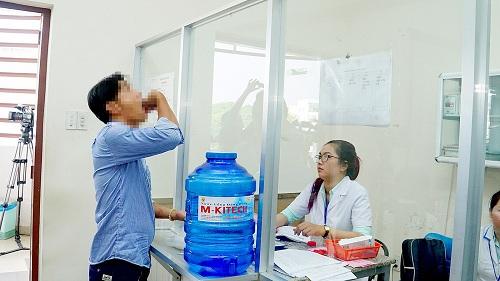 Bảo hiểm y tế - nguồn tài chính bền vững  cho điều trị HIV/AIDS