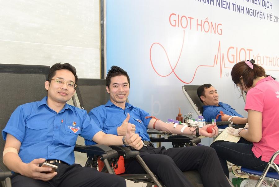 Thu 101 đơn vị máu từ Lễ ra quân chiến dịch thanh niên tình nguyện hè 2019