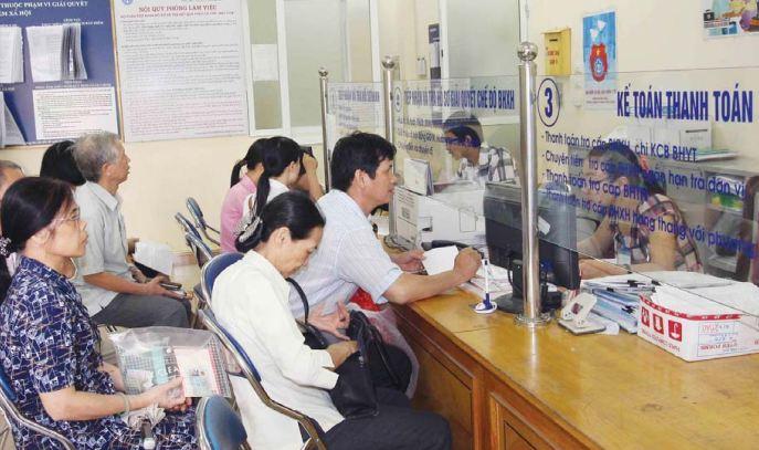 Tăng đối tượng tham gia, giảm thủ tục  hành chính trong lĩnh vực bảo hiểm y tế