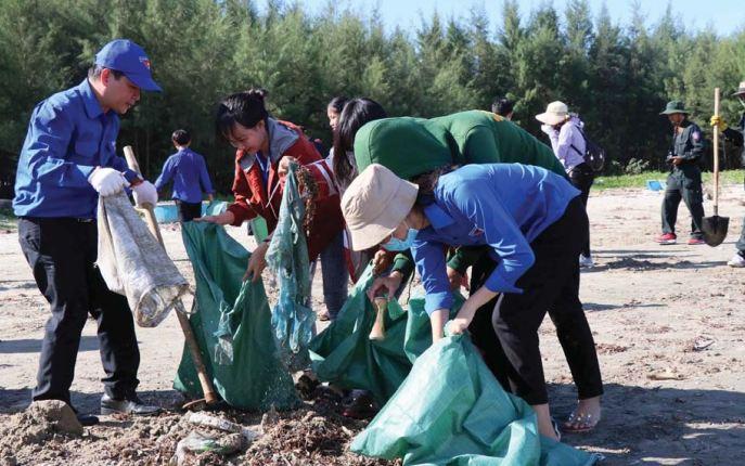 Giải quyết rác thải nhựa đại dương:  Cuộc chiến không của riêng ai