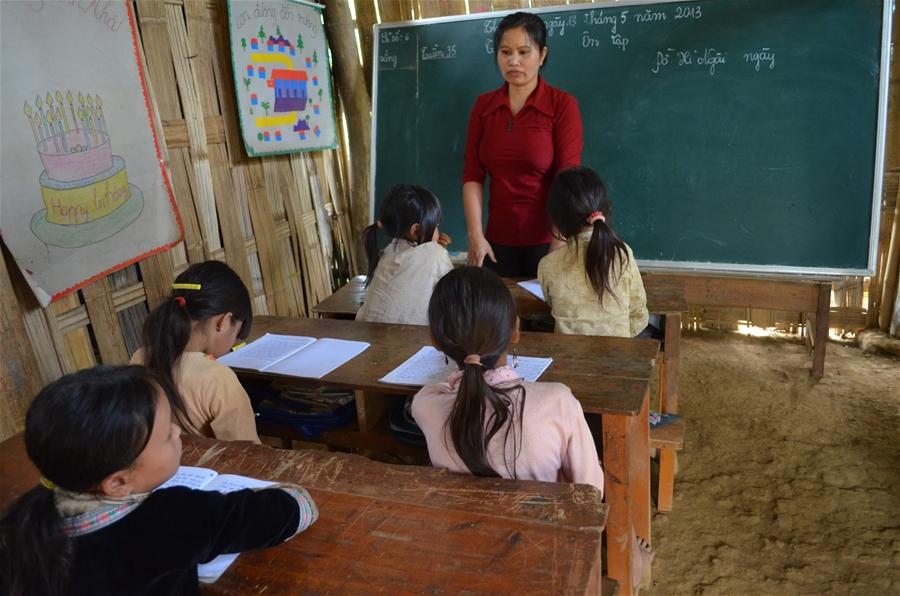 Năm học mới vẫn đeo đẳng nỗi lo trường, lớp học tạm