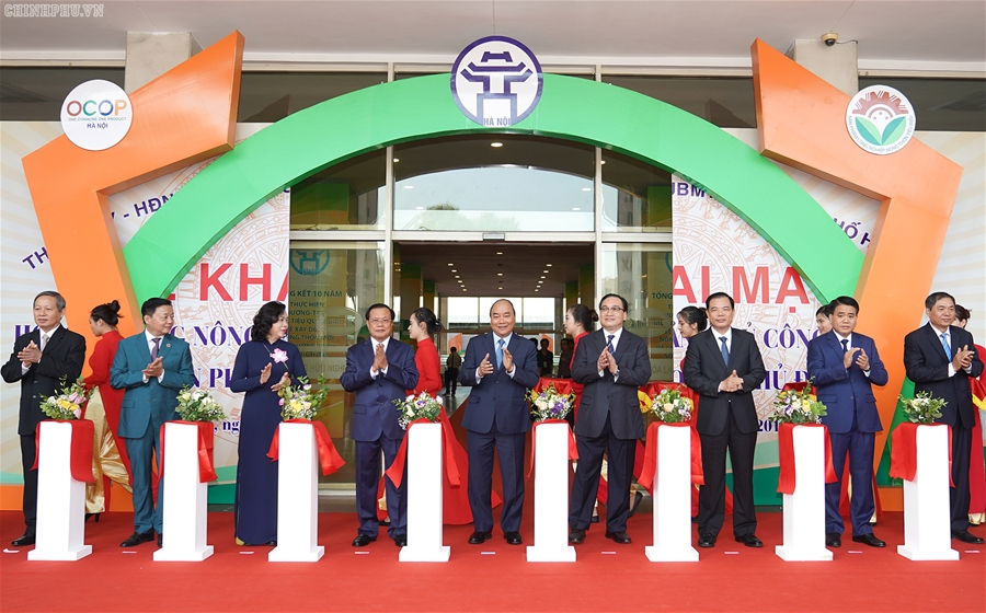 Thủ tướng dự Hội nghị tổng kết 10 năm xây dựng nông thôn mới tại Hà Nội